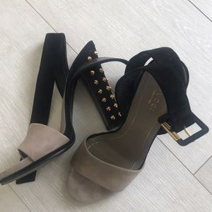 Gucci grey & black sued shoes for sale